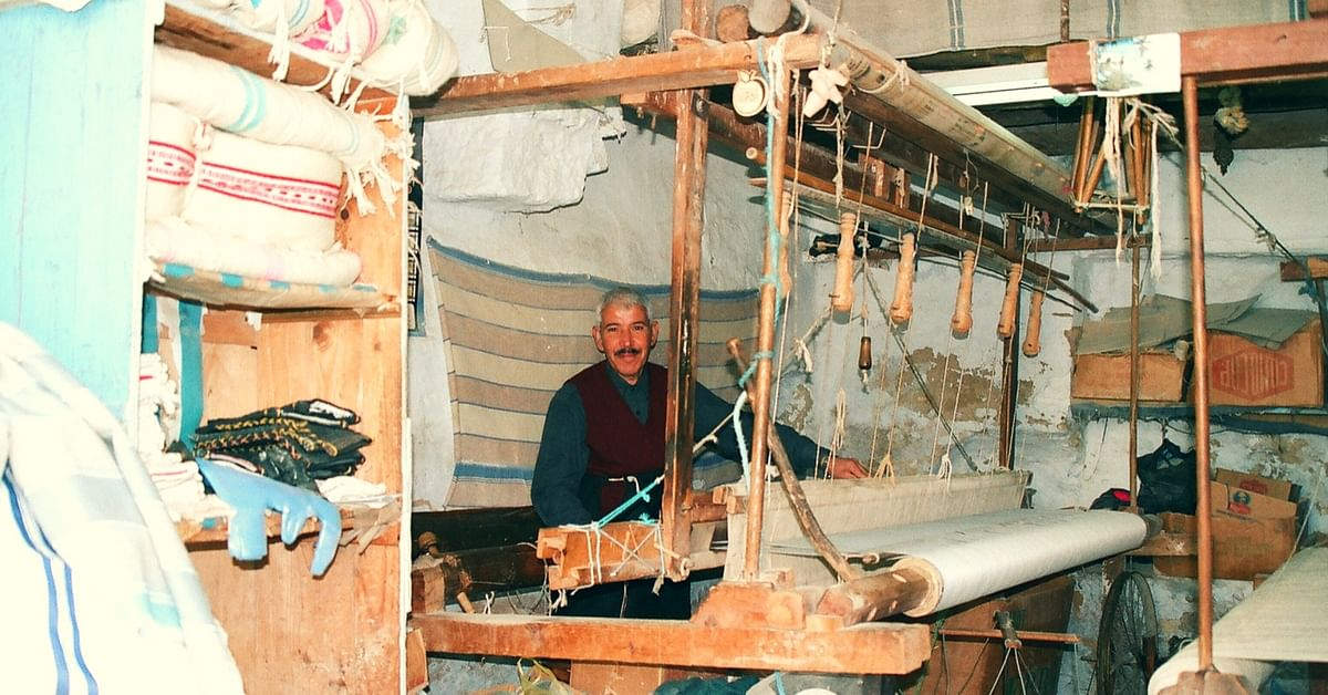 How This Desi Chatbot Could Help Handloom Weavers in India!