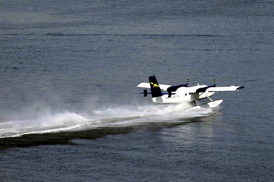 Seaplanes to Take Off in India Soon: Read More About the Amphibious Aircraft