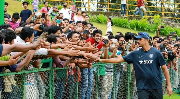 Coach Dravid interacting with fans. (Source: Rahul Dravid official Facebook page)