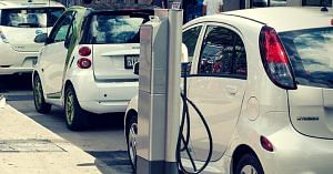 ISRO's Li-ion batteries may soon be used to power e-vehicles in India. Representative image only. Image Courtesy: Wikimedia Commons.