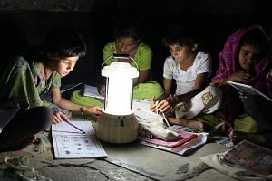 Barefoot College solar-powered night school initiative in Rajasthan (Source: Barefoot College)