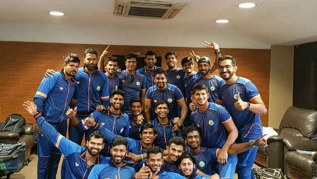 Team photo after their historic win. (Source: Twitter)