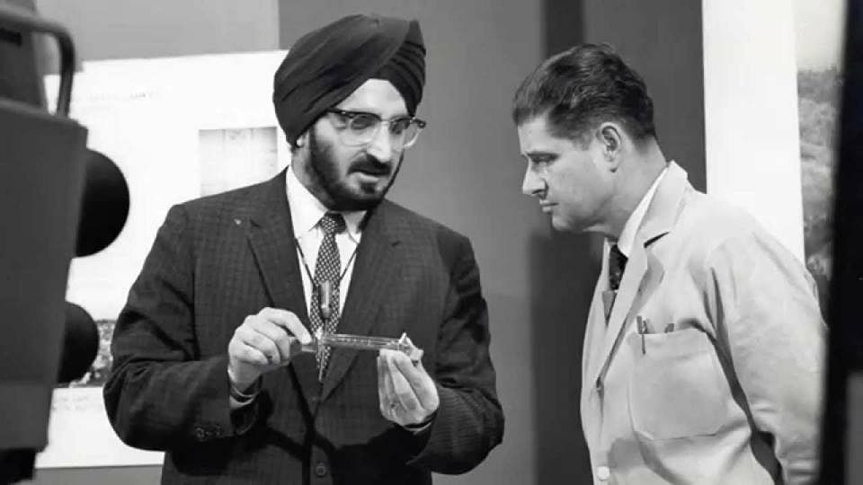 Narinder Singh Kapany. (Source: Facebook/Techno India SPIE Student Chapter)
