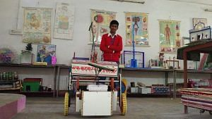 mathura-boy-garbage-collecting-cart
