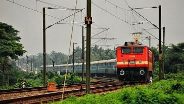 Head to your favourite summer destination thanks to these special trains! Representative image only. Image Courtesy: Wikimedia Commons.