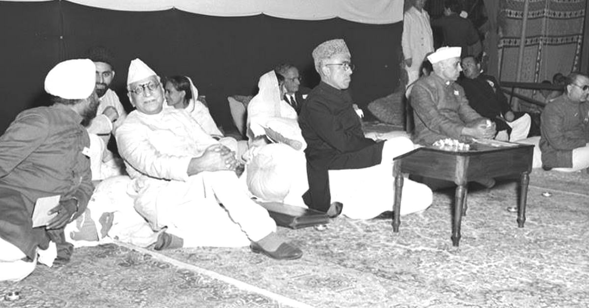 Jawaharlal Nehru (right) and Sheikh Abdullah (second from left). (Source: Facebook)