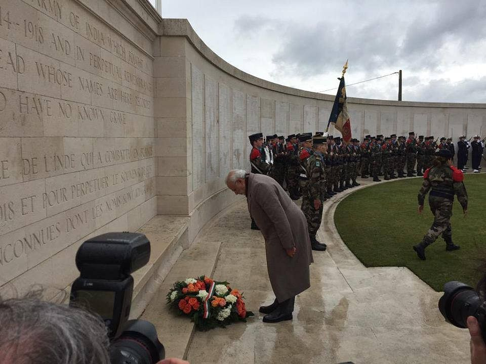 Prime Minister Narendra Modi pays homage to Indian soldiers martyred in World War I, Memorial, Neuve-Chappelle. (Source: Facebook)