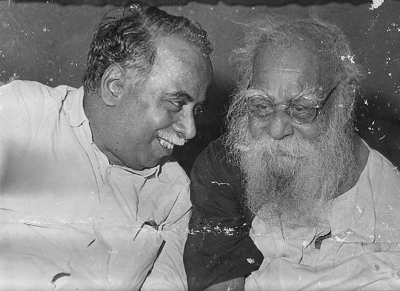 CN Annadurai (Left) with his erstwhile mentor Periyar. (Source: Wikimedia Commons)