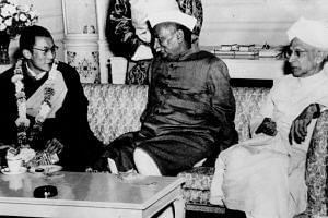 HH The Dalai Lama with President Rajendra Prasad and Vice President S Radhakrishnan. (Source: dalailama.com)