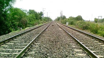 Noticing a crack in the tracks, the people realised the Rajdhani was in danger. Representational image only. Image Courtesy: Wikimedia Commons.