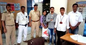 The honest RPF constable ensured the worried passenger got his bag full of valuables back. Image Courtesy: Twitter