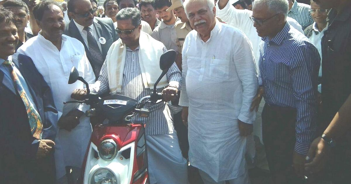 Chief Minister Siddaramaiah during an 'E-mobility awareness campaign'.