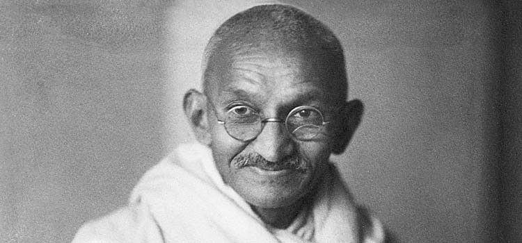 Vidyarthi met Mahatma Gandhi in 1916. (Source: Facebook)