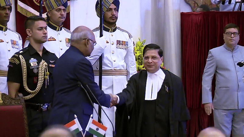President Ram Nath Kovind with Chief Justice Dipak Misra. (Source: Wikimedia Commons)
