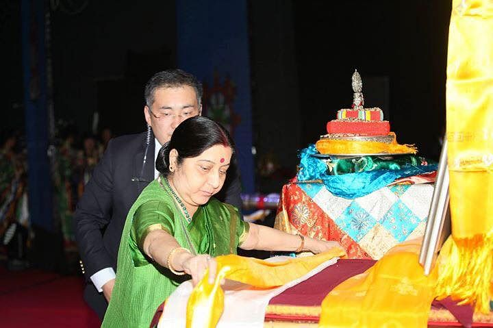 External Affairs Minister Sushma Swaraj offering her respects at a function in Ulaanbaatar celebrating the 100th birth anniversary of Kushok Bakula Rinpoche. (Source: Sonam Wangchuk)