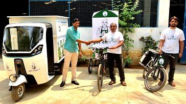 ChaiGuru will bring you the goodness of coffee-leaf tea, delivered using e-vehicles. Image Credit:- ChaiGuru.