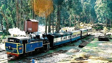 Charter a train, and have the journey of a lifetime. Representative image only. Image Courtesy: Wikimedia Commons.