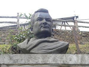 Bust of Rahul Sankrityayan in Darjeeling. (Source: Wikimedia Commons)