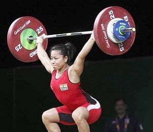 Lifting her way to glory. (Source: Facebook)
