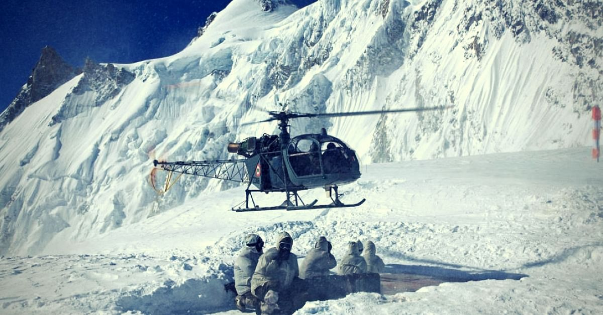 Assisting soldiers atop Siachen Glacier. (Source: Facebook/Bharat Tailor)