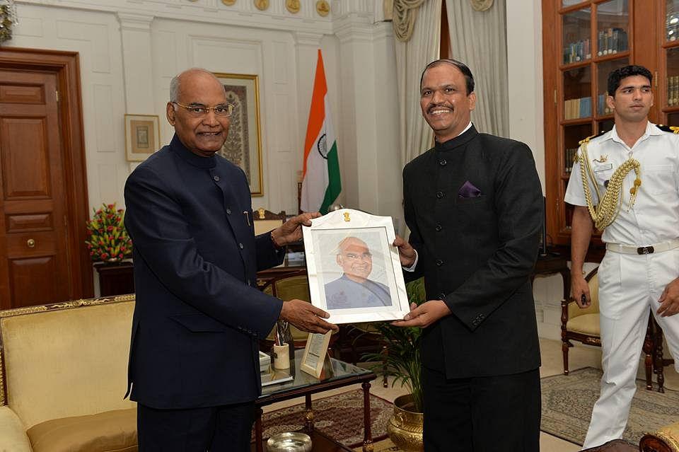 Atul Malhari Gotsurve with President Ram Nath Kovind. (Source: Facebook/Atul M Gotsurve)