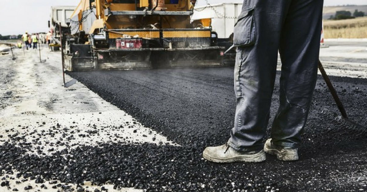 Maharashtra Sets Example, Makes it Compulsory to Use Plastic Waste to Lay Roads!