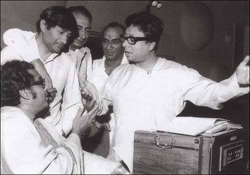 RD Burman with Kishore Kumar, Dev Anand, Sahir Ludhiyanvi, Yash Chopra (Source: Facebook/RD Burman)