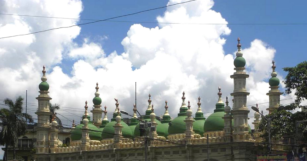 The Kolkata mosque's domes and towers look gorgeous against the blue sky.Image Credit: Falguni Majumdar