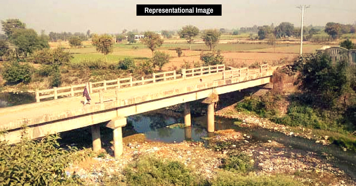 Disturbed by Kid's Death, Retired UP Man Uses Rs 3 Lakh From PF to Build 70ft Bridge!