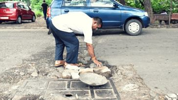 After Losing Son To Civic Apathy, Mumbaikar Fills Up 500+ Potholes on City Roads