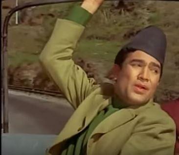 Rajesh Khanna donning the Dhaka Topi. (Source: YouTube)