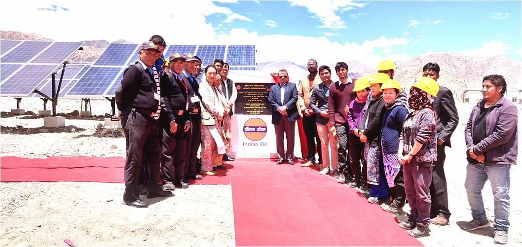 Indian Oil commissions 100 KW Solar Power Plant at Leh, World's Highest Bottling Plant. With the plant set to save 30,000 Litres of Diesel every year, (Source: Twitter/Indian Oil Corporation)