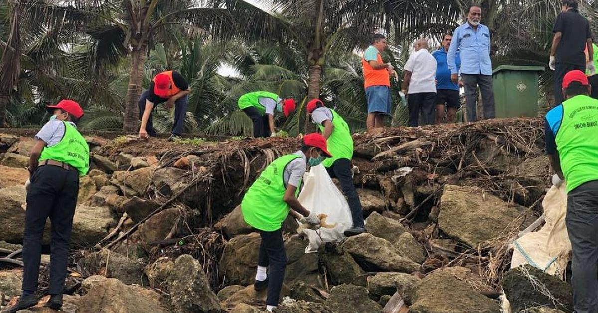 Mumbai citizens came together to clean the Priyadarshini Park Beach. Image Credit: Priyadarshini Park and Sports Complex