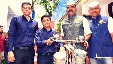 Mumbai entrepreneur- dabbawalas (1)