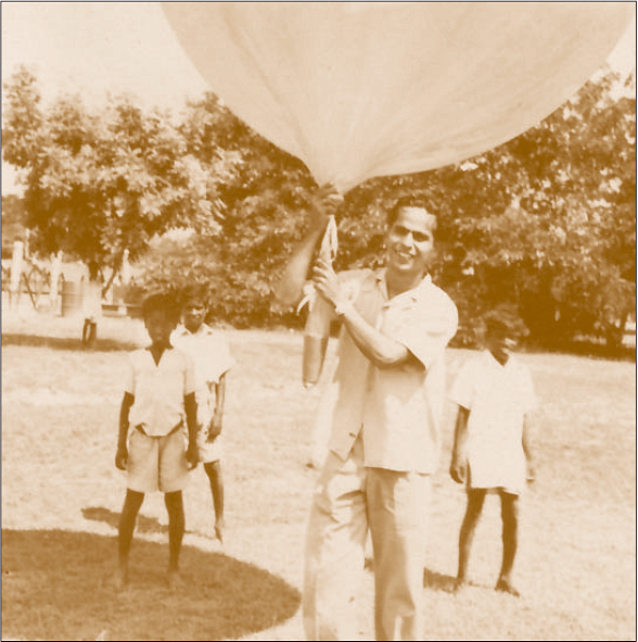 Yash Pal with a balloon in TIFR