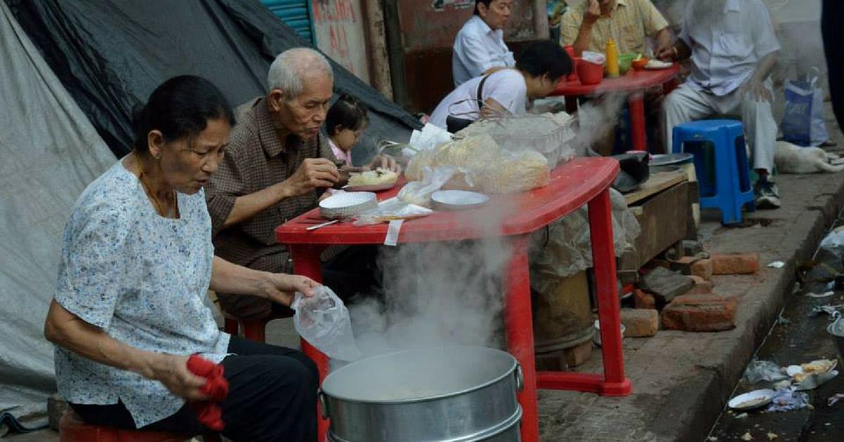 Visit Tiretti Bazaar in Kolkata, and dig into the sumptuous Chinese breakfast.Image Credit: Pratik Ghosh.