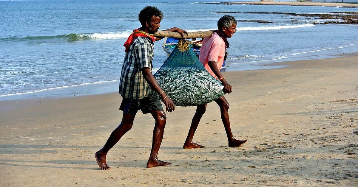 maharashtra fisherman saves 12 lives at sea wins national award