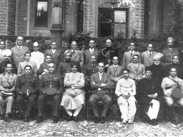Allah Bux Soomro sitting right from Viceory Lord Linlithgow (Source: Facebook/Manzoor Soomro)