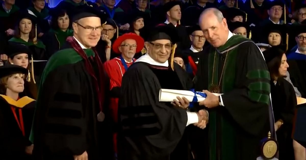 Padma-Winning Pune Man Becomes 1st Indian to Get 'Doctor of Humane Letters' Degree!