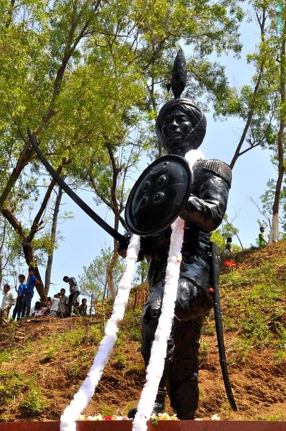 Statue of Paona Brajabashi. (Source: Facebook/Sharma Devananda Kongbrailatpam)