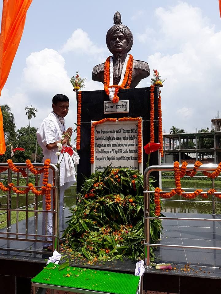 Statue of Paona Brajabashi. (Source: Facebook/Gurumayum Biplab Sharma)