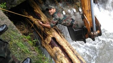 The Army is doing all it takes to help Kerala flood victims. Image Credit: Shreya Dhoundial