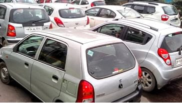 In Delhi, if you want to keep the registration plate of your old vehicle for the new one, it will cost you! Image credit:- RamaRaman Pandey