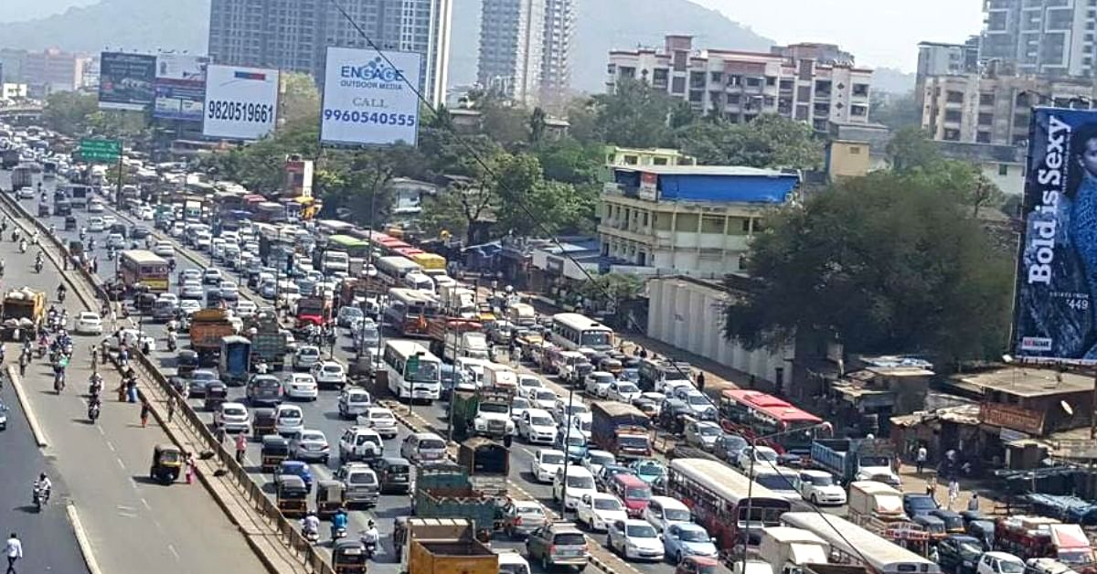 In Mumbai's chaotic traffic, finding a place to park is often a nightmare. Image Credit: Mumbai