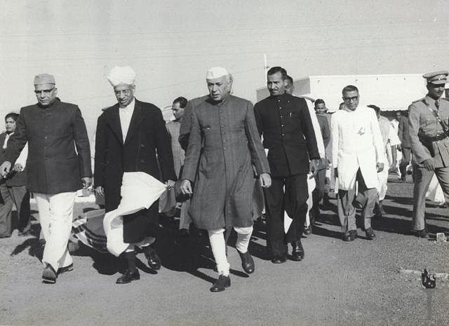 Jawaharlal Nehru, S Radhakrishnan and Harekrushna Mahatab (Right to Left) along with other officials. (Source: Wikimedia Commons)