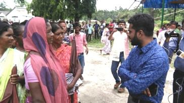 District Magistrate Nikhil Nirmal speaking to tea garden workers at a recent camp. (Source: District Magistrate Alipurduar)