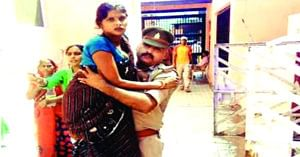 The Mathura cop selflessly helped the pregnant woman, saving mother and the new-born baby. Image Credit: Ankita Dubey.