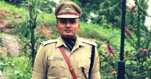 'Was a backbencher, failed UPSC 4 times'_ IPS officer's post wins netizens' hearts