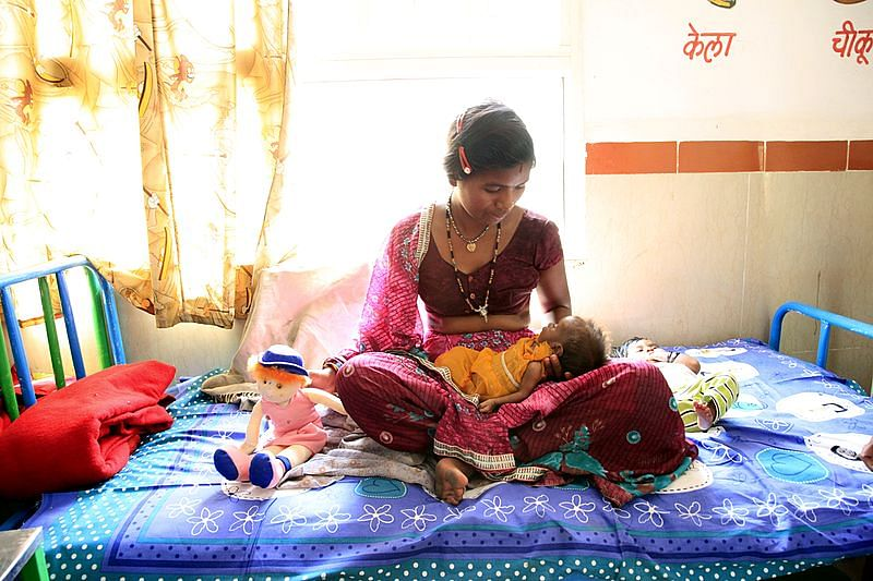 The importance of breastfeeding. (Source: Wikimedia Commons)