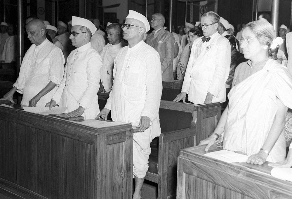 15 Aug,1947, I'Day Session,Constituent Assembly,Sardar Patel, KM Munshi, NV Gadgil & Amu Swaminathan. (Source: PIB)